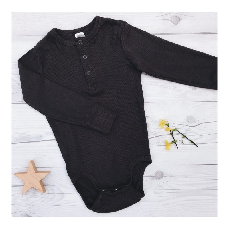 Long-sleeved baby bodysuit