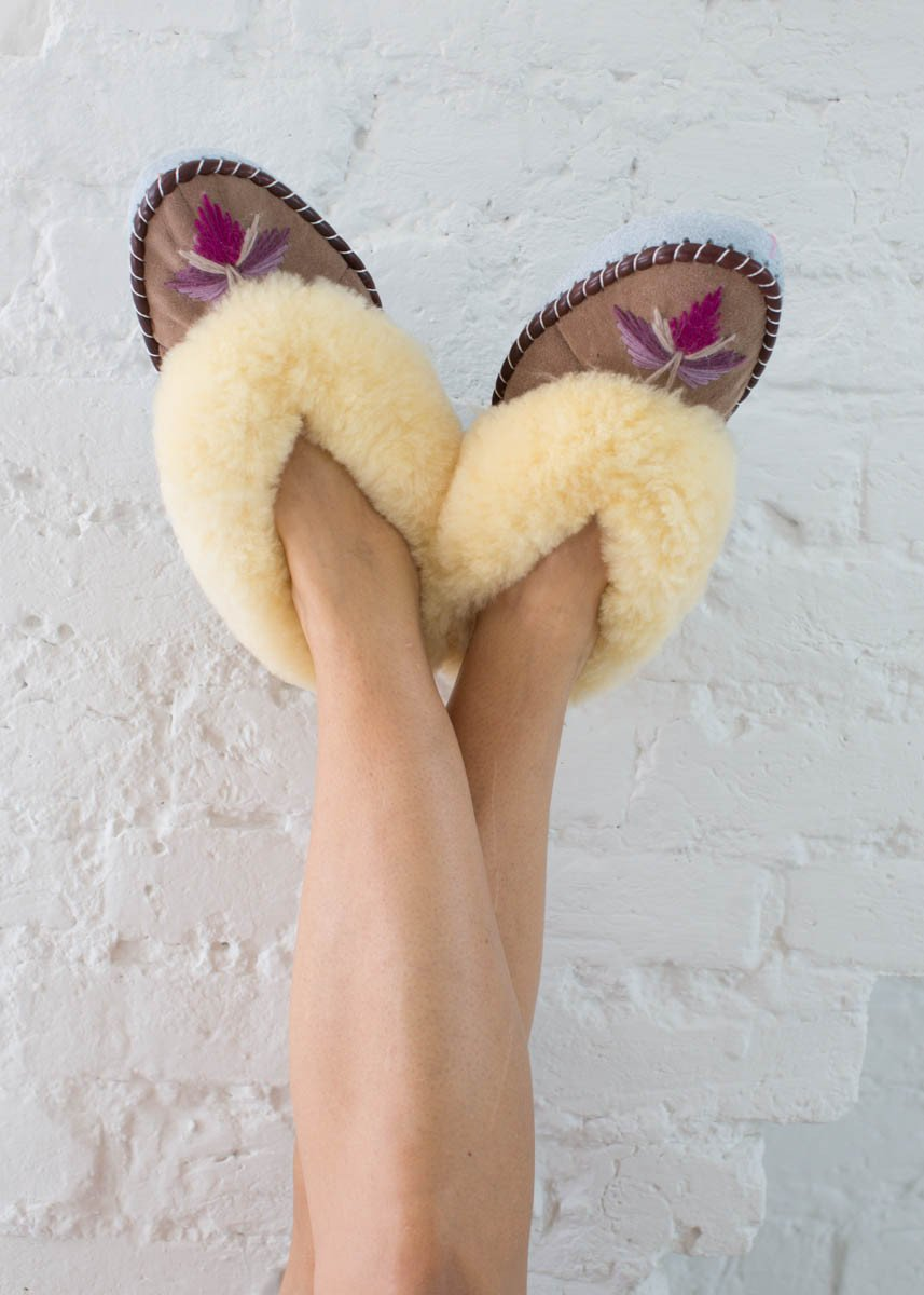 sheepskin-moccasin-slippers