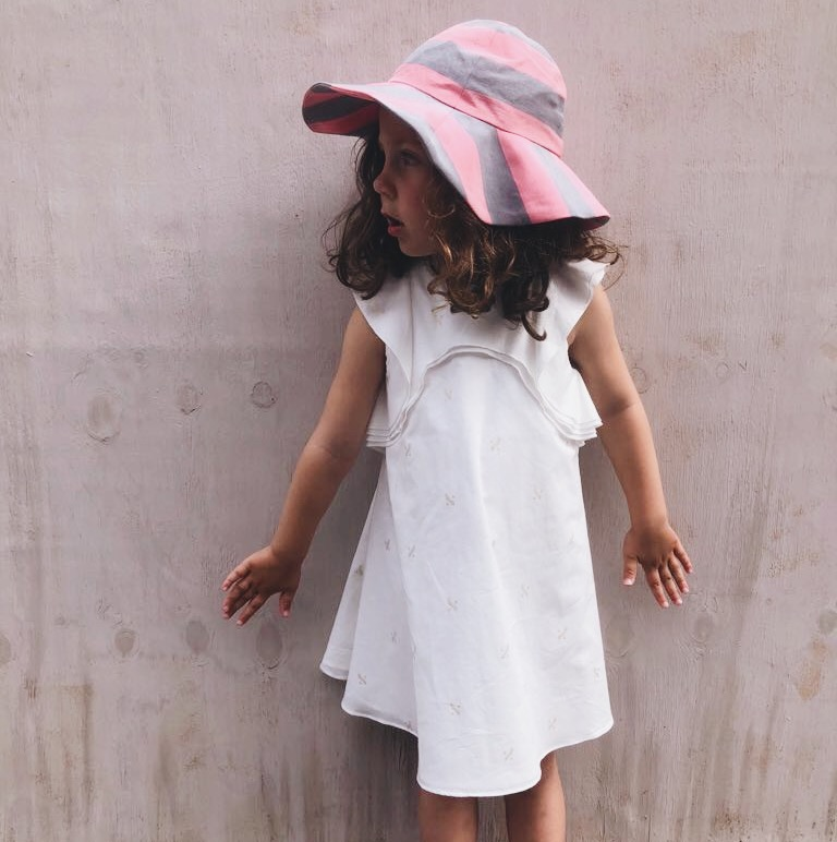 girls-white-dress-sunhat