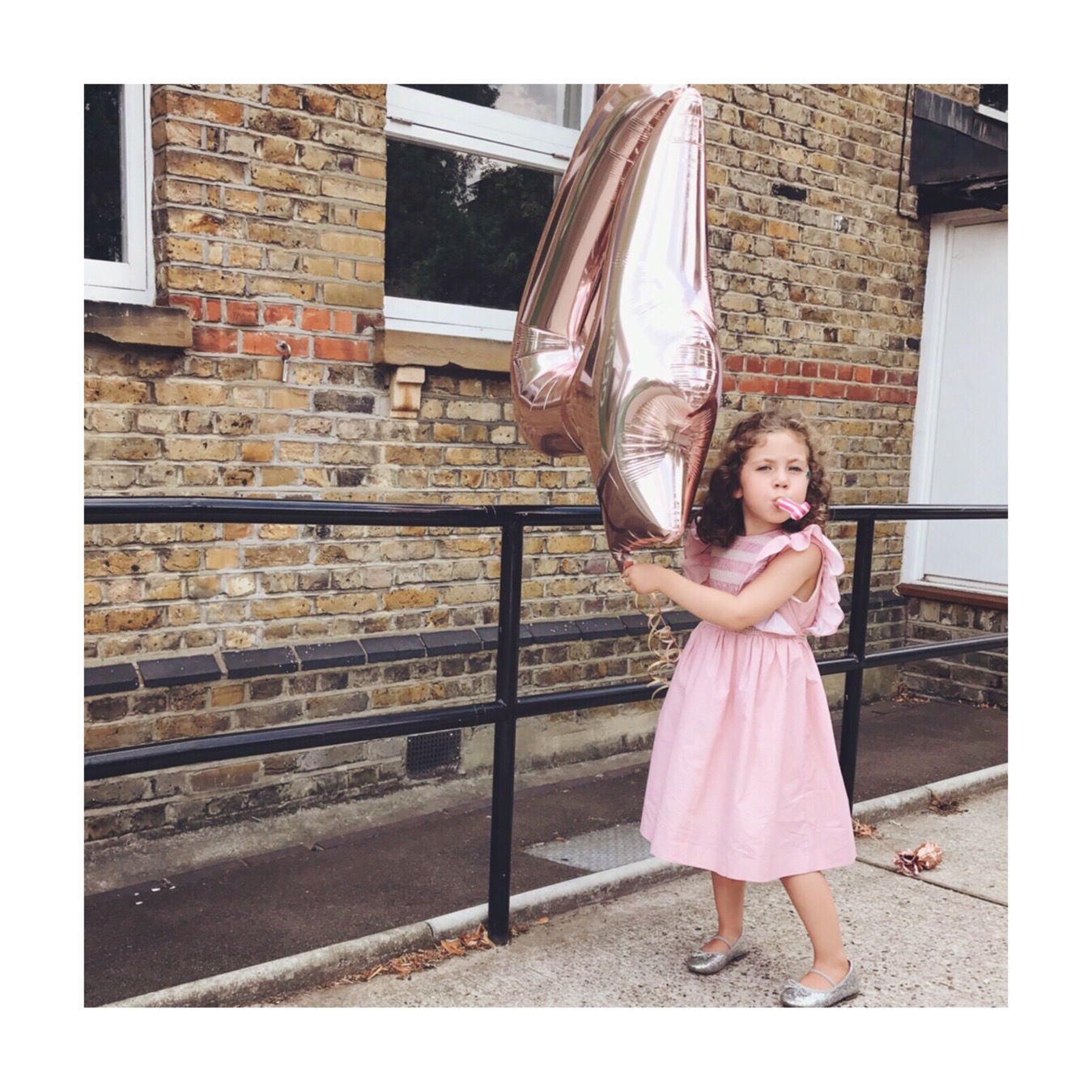 birthday-girl-balloon-pink-dress