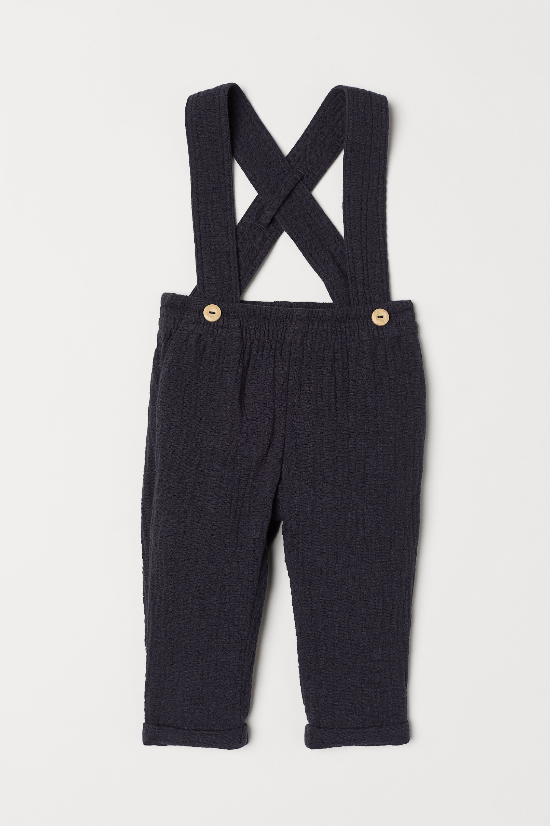 black-trousers-with-braces