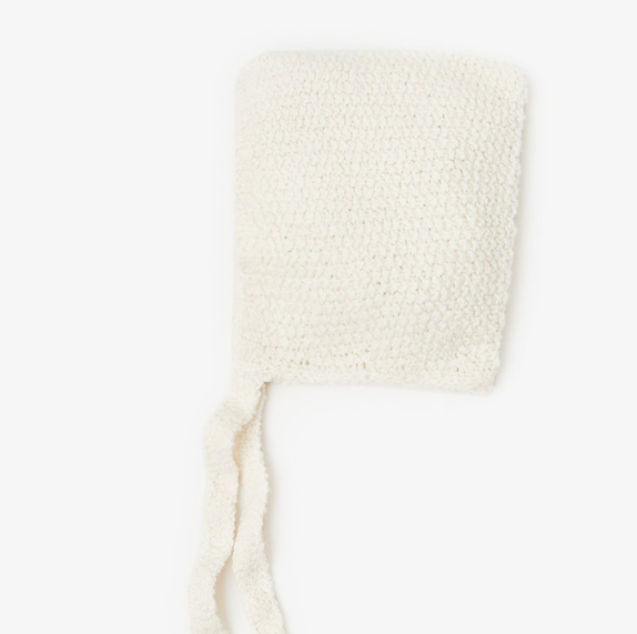 cream-chunky-knit-bonnet