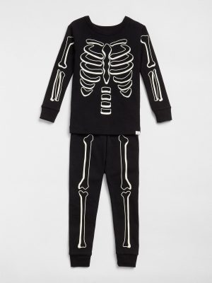 halloween-glow-in-the-dark-pyjamas