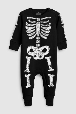 skeleton-sleepsuit
