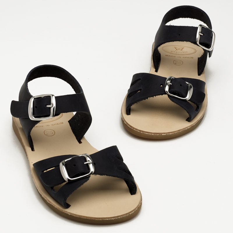 kids-navy-buckle-sandals
