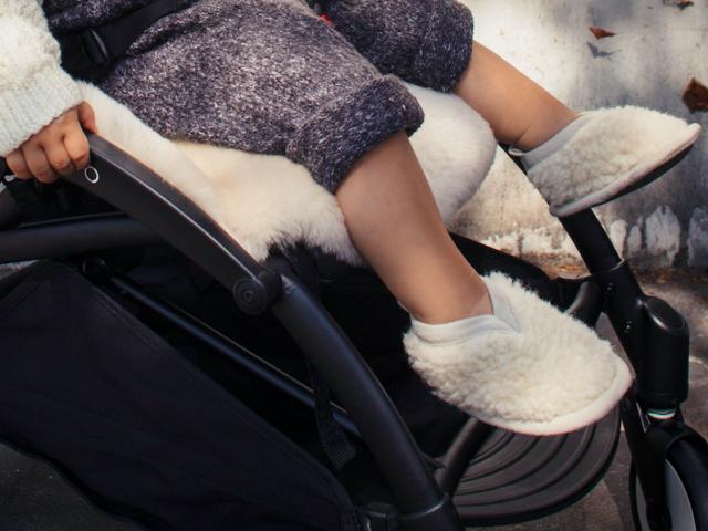 baby-sheepskin-booties