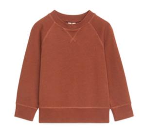 Brown crew-neck sweatshirt