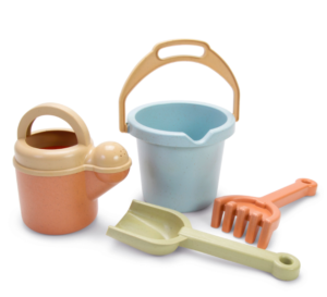Sustainable bucket and spade set
