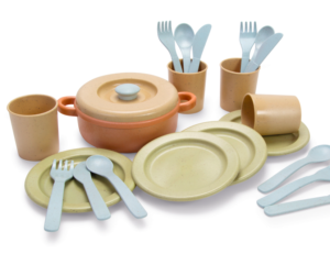 Sustainable toy dinner set
